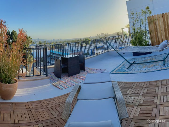 Best Open Roof Top View- PENT HOUSE HOLLYWOOD Photo 4