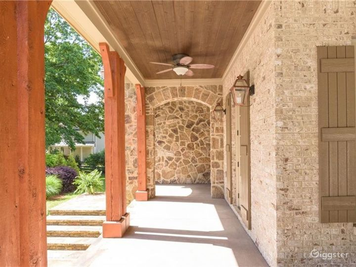 Private Country Estate and Sanctuary on 2+ Acres Photo 4