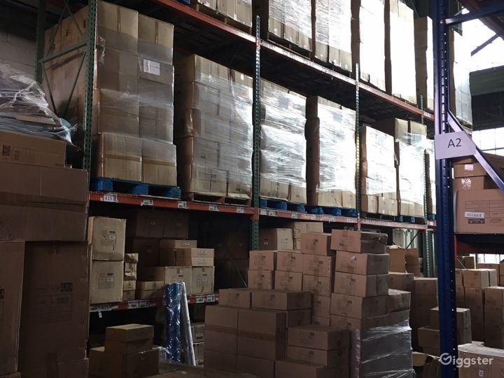 Massive storage warehouse Photo 2