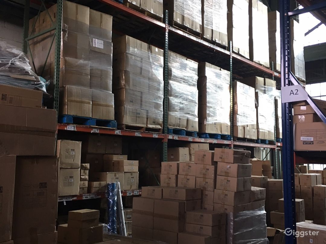 Massive storage warehouse Photo 2