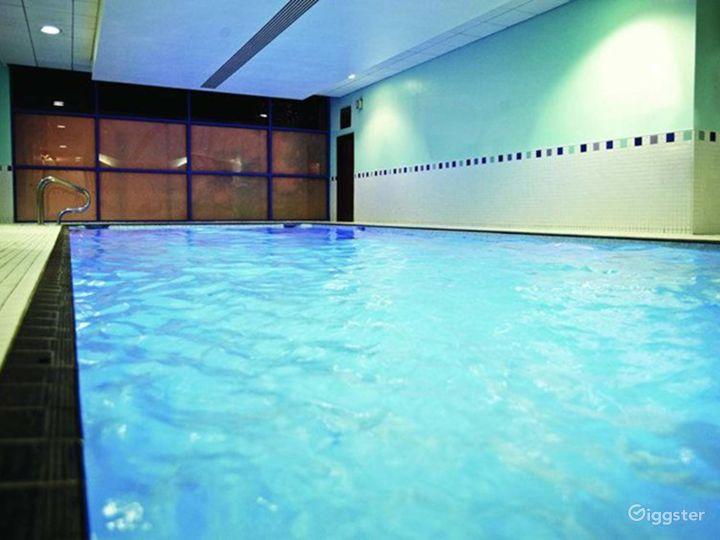Delightful Hotel Pool in Reading Photo 3