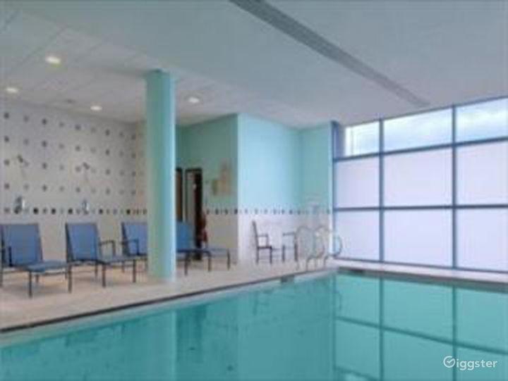 Delightful Hotel Pool in Reading Photo 5