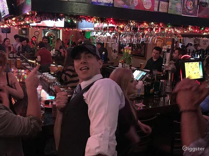 Neighborhood Bar & Live Music Venue in Chicago Photo 5