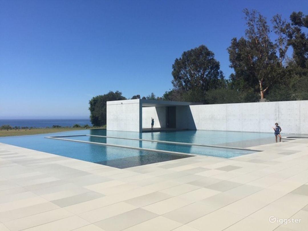 Malibu Modern Masterpiece Photo 4
