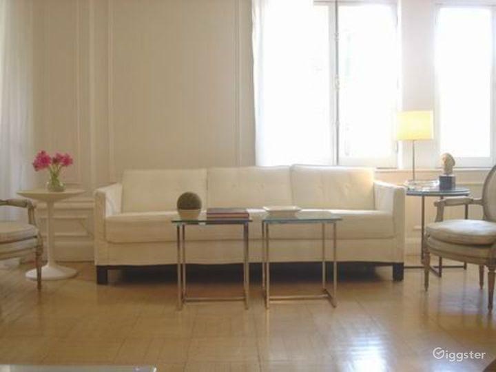Contemporary NY apartment: Location 2311 Photo 3