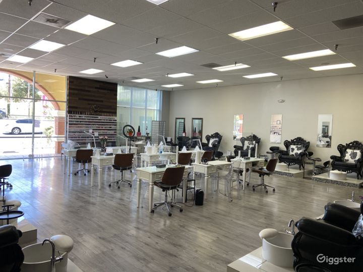 Largest Nail Salon in Glendale Photo 2