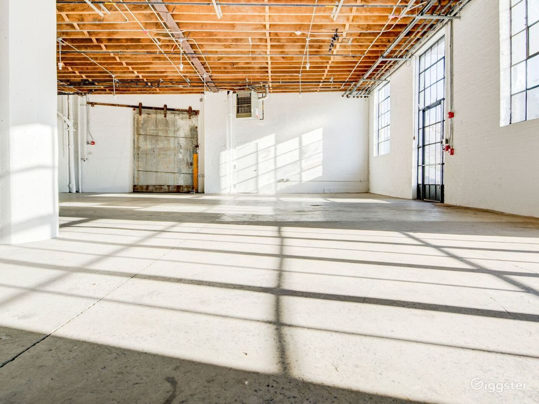 Light-Filled Warehouse Studio & Loft Space Photo 1