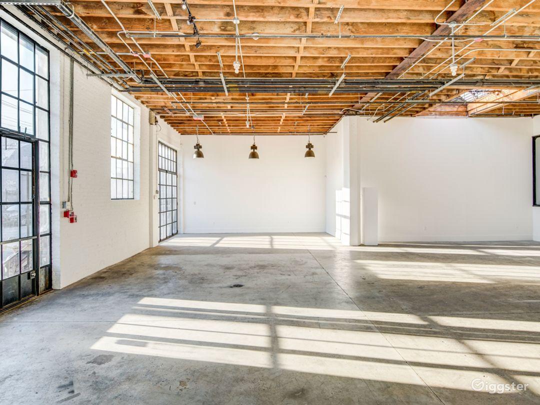 Light-Filled Warehouse Studio & Loft Space Photo 2