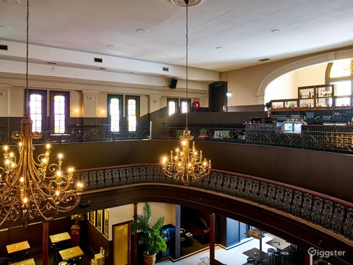 Spacious Mezzanine with a Vintage 1920s Theme  Photo 5