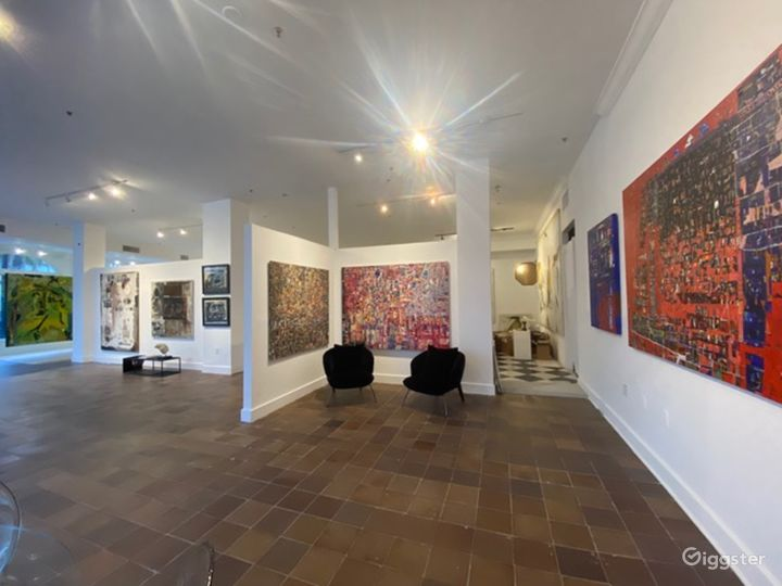Contemporary Art Gallery in the Heart of Palm Beach Photo 3