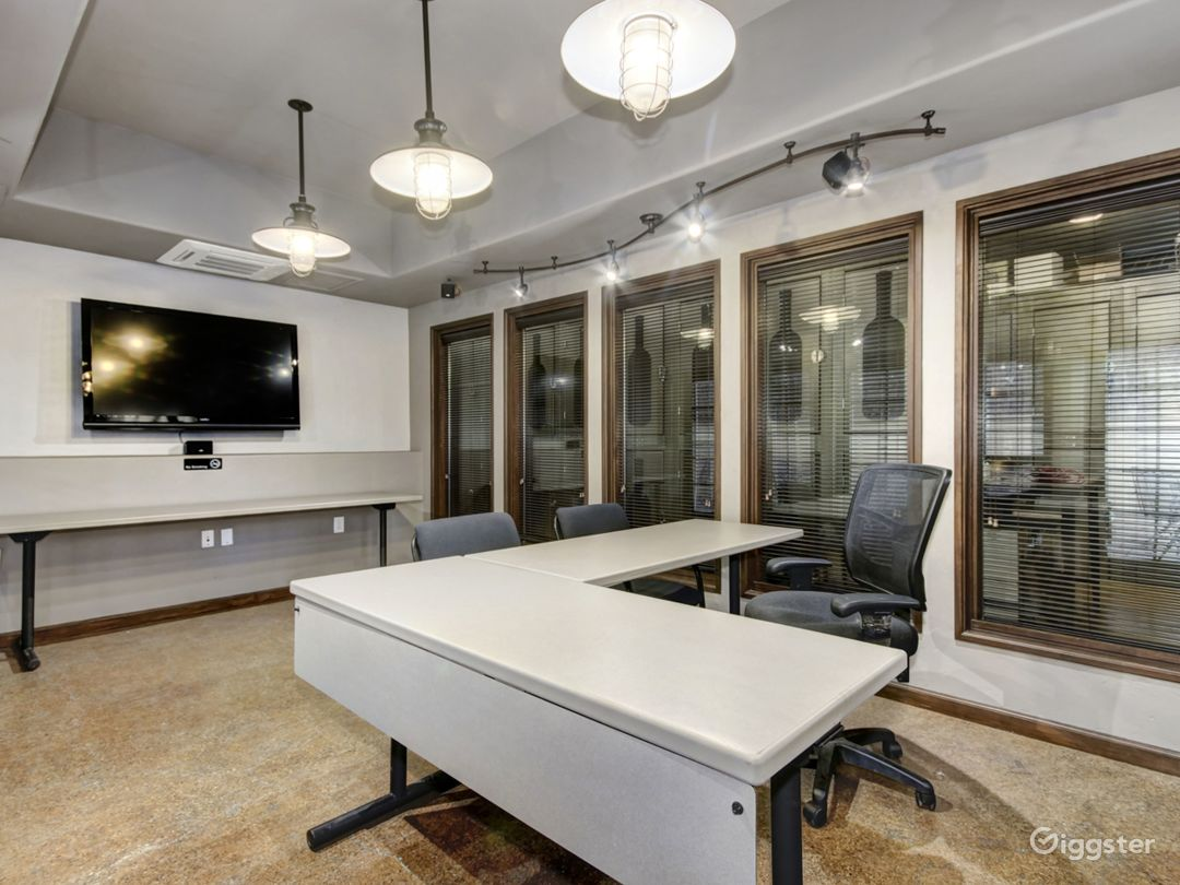 DAY OFFICE SUITE Photo 1