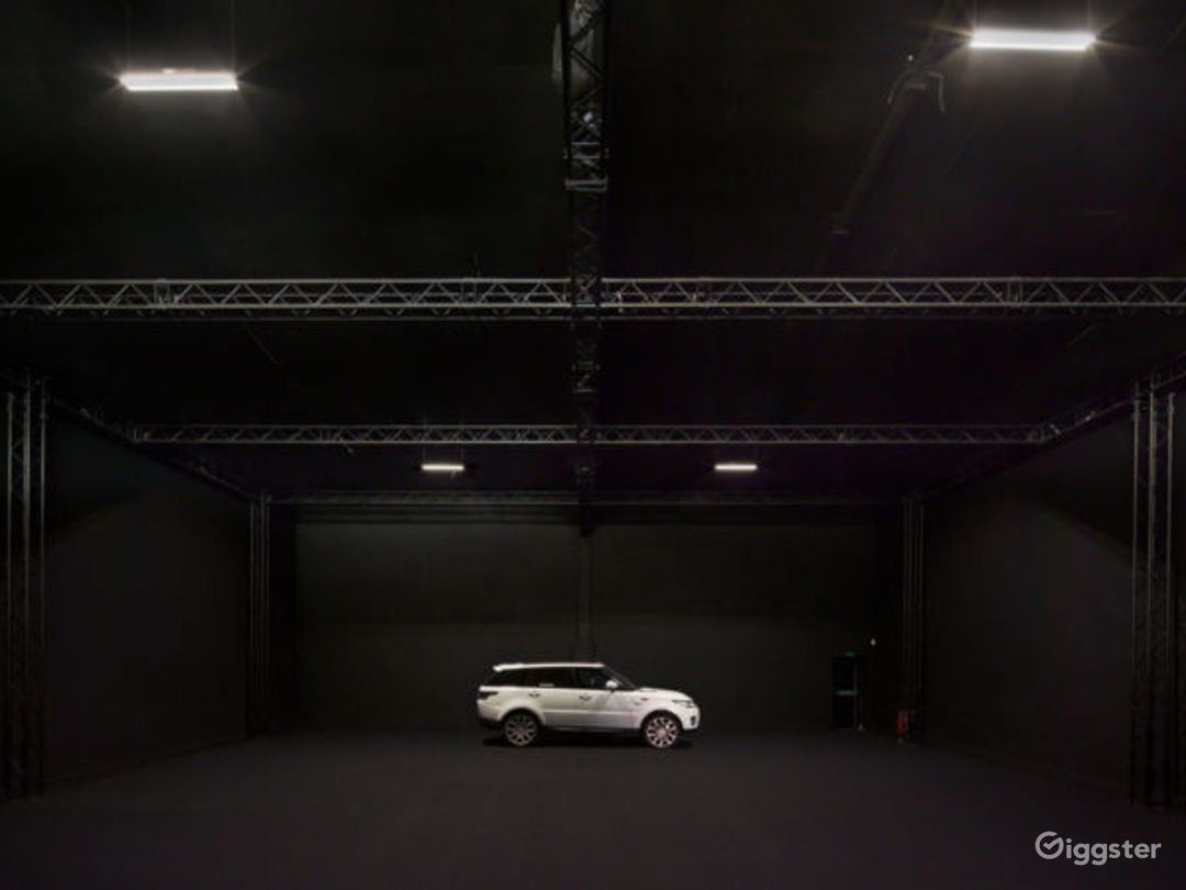 Everything Under One Roof - Spacious Studio   Photo 1
