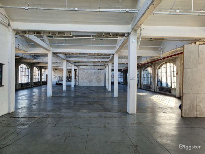 Fantastic UNIQUE Warehouse Photo 2