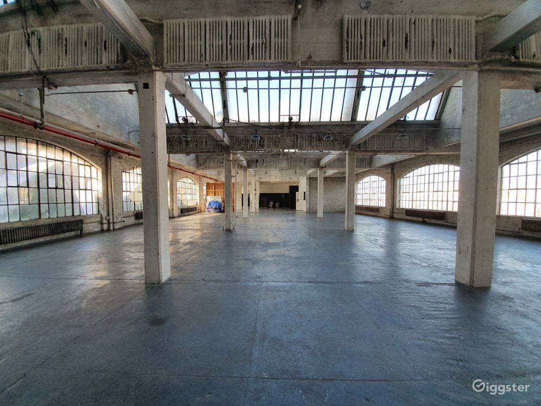 Fantastic UNIQUE Warehouse Photo 1