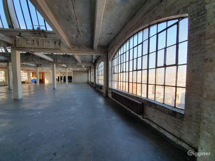 Fantastic UNIQUE Warehouse Photo 4
