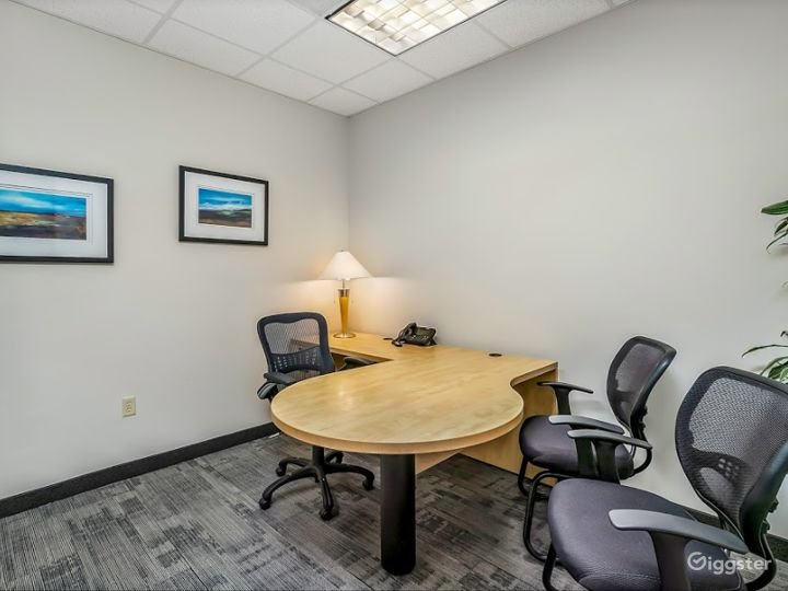 Clean and Cozy Office for 4 People in Charlotte