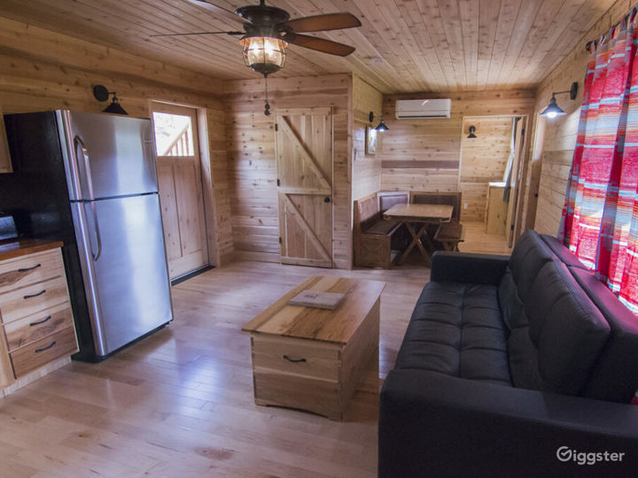 Spacious Cabin 3 with Great View of Valley