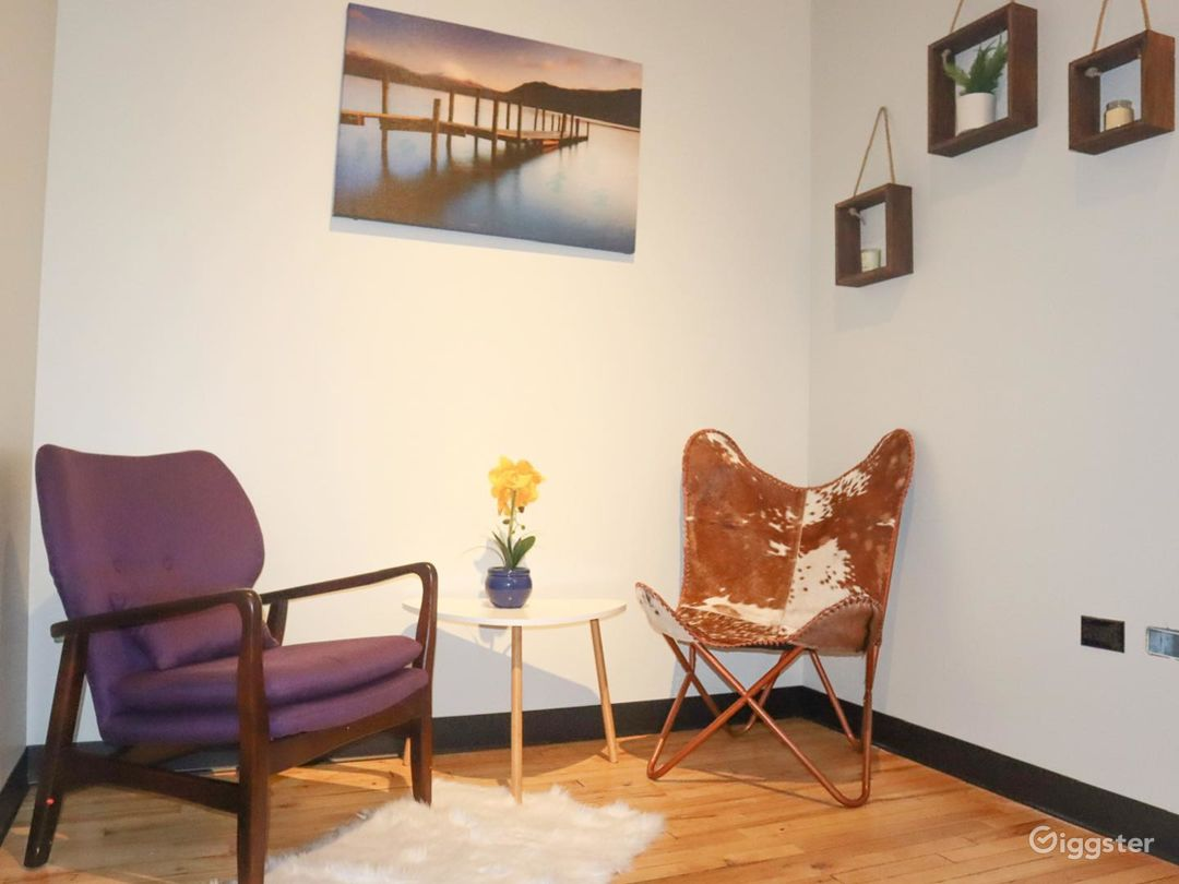 Private Office in the Historic Area of Chicago Photo 1