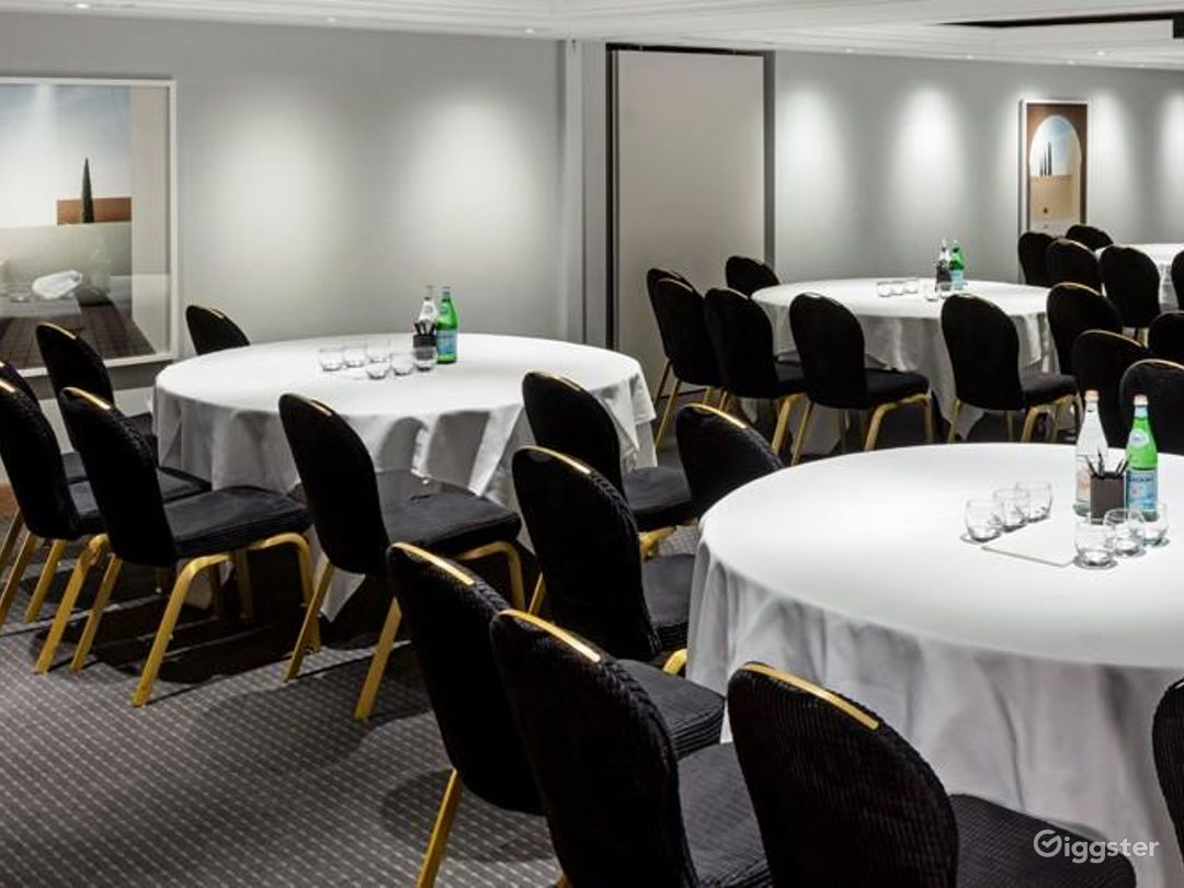 Phenomenal Private Room 16 in Manchester Photo 1
