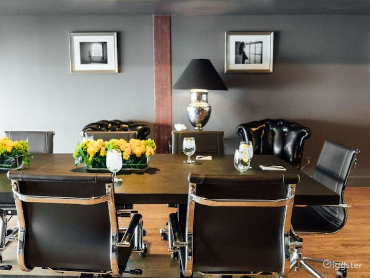 Luxurious Bridal Party Room in LA Photo 2