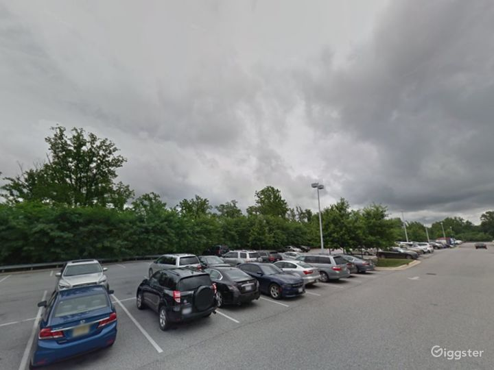 Spacious Parking Lot in National Harbor Photo 3