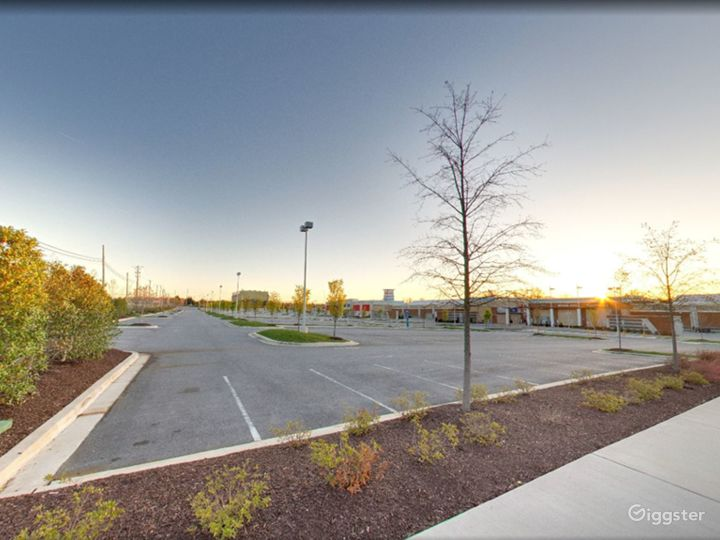 Spacious Parking Lot in National Harbor Photo 2