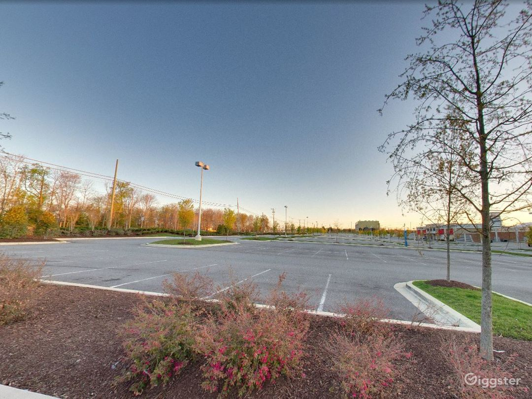 Spacious Parking Lot in National Harbor Photo 1