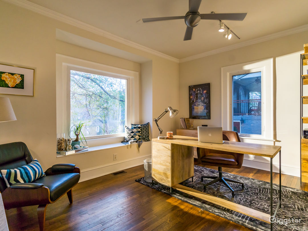 Beautifully Decorated Craftsman with City Skyline Views Photo 1