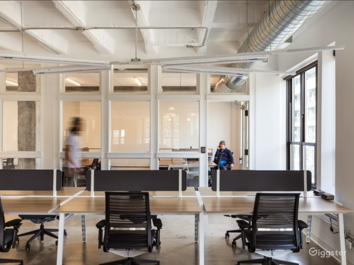 Vibrant Conference Room in the Heart of Wicker Park Photo 5