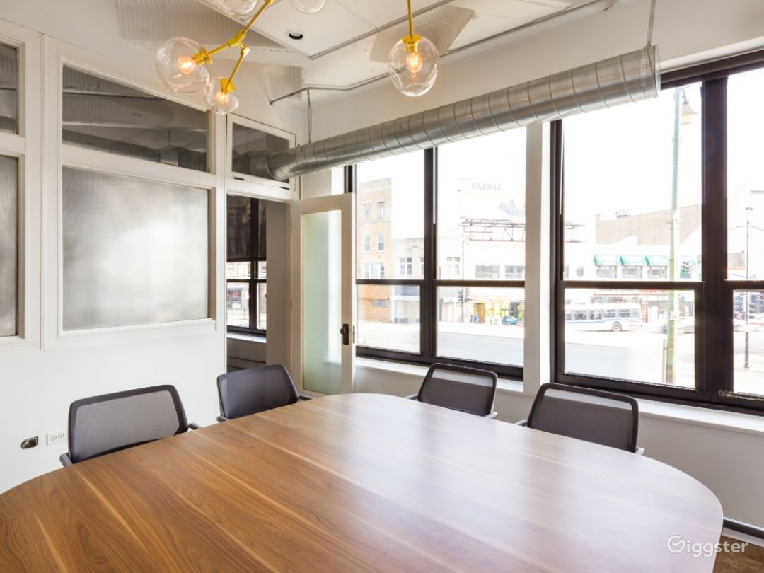 Vibrant Conference Room in the Heart of Wicker Park Photo 1