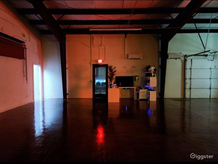 Full Studio Loft in Dallas Photo 3