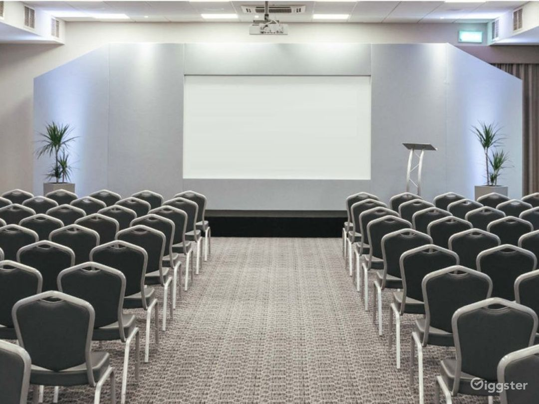 Venue for up to 250 people in Dorking Photo 1