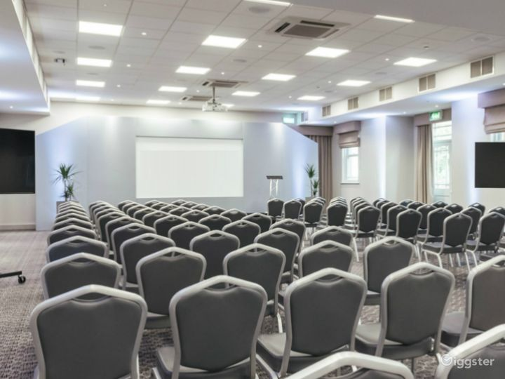 Venue for up to 250 people in Dorking Photo 2