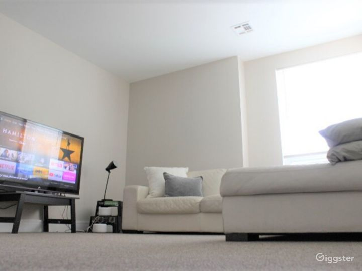 Downtown Flat with Photo-Video Space and Lounge Photo 2