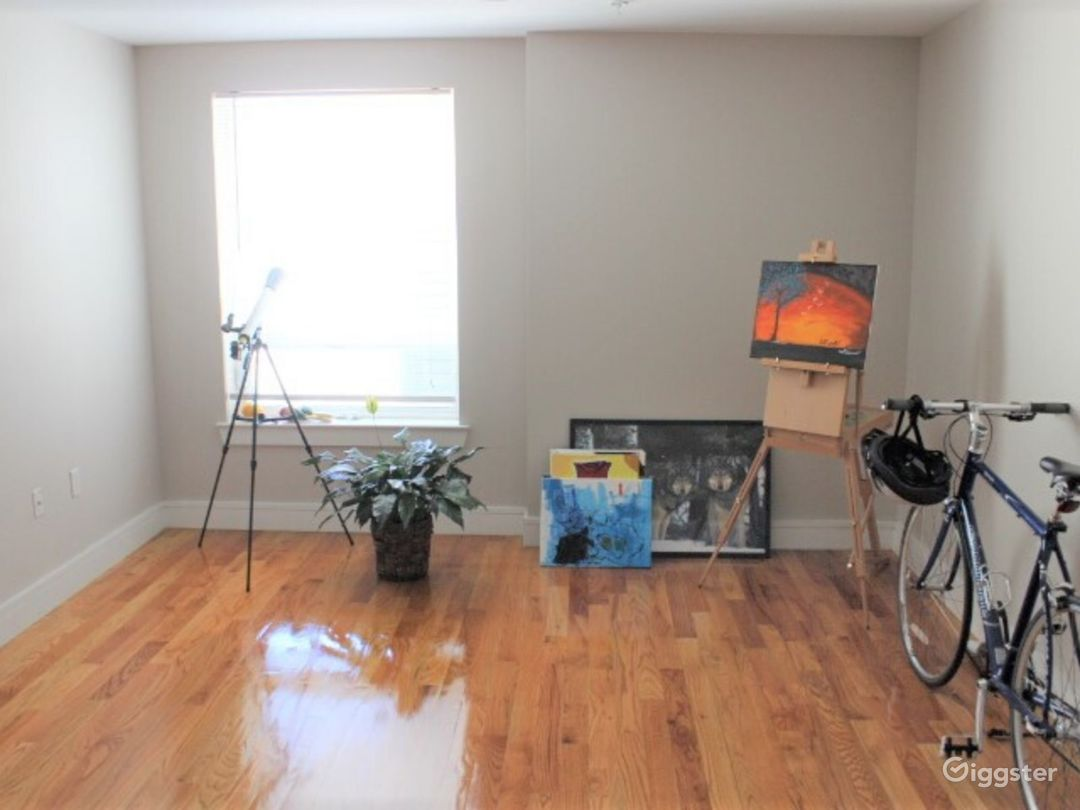 Downtown Flat with Photo-Video Space and Lounge Photo 5