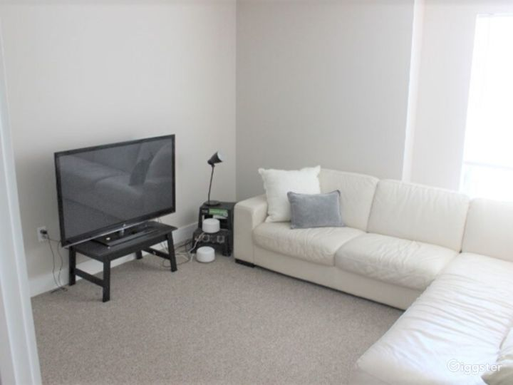 Downtown Flat with Photo-Video Space and Lounge