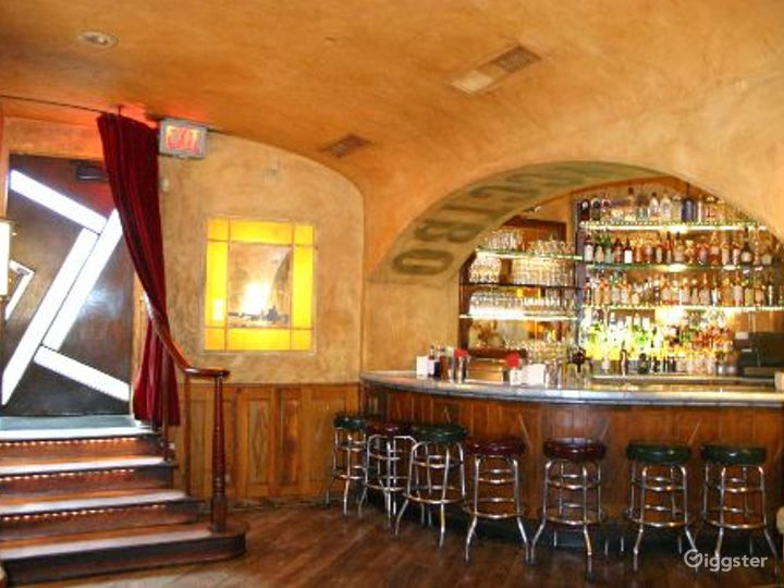 Upscale club, restaurant and bar: Location 4069