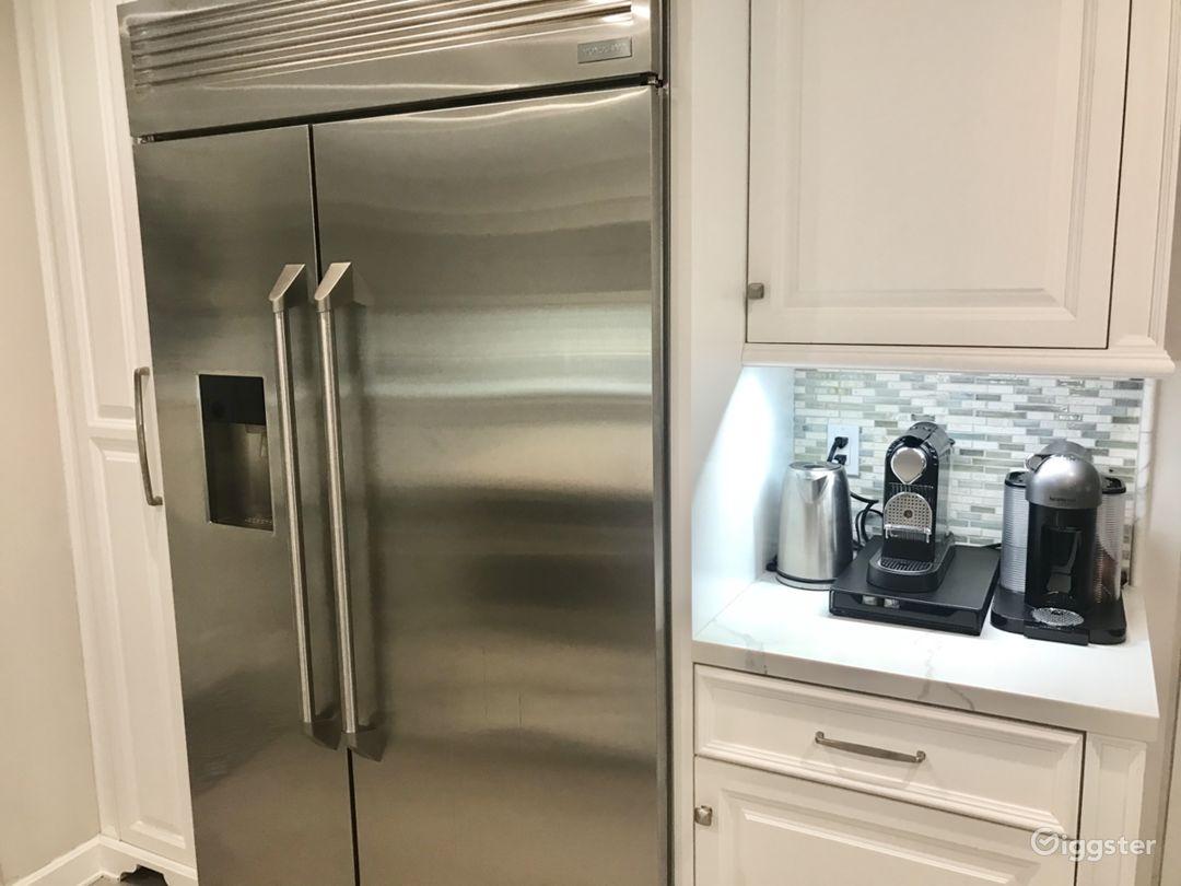 Transitional Open White Kitchen Photo 5