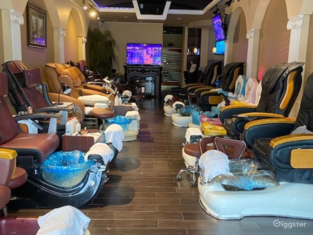 Upscale Nail Salon w/Kids Section & Private Room Photo 5