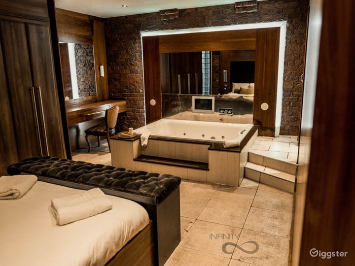 Famous and Unique Apartment with Jacuzzi spa tub Photo 4