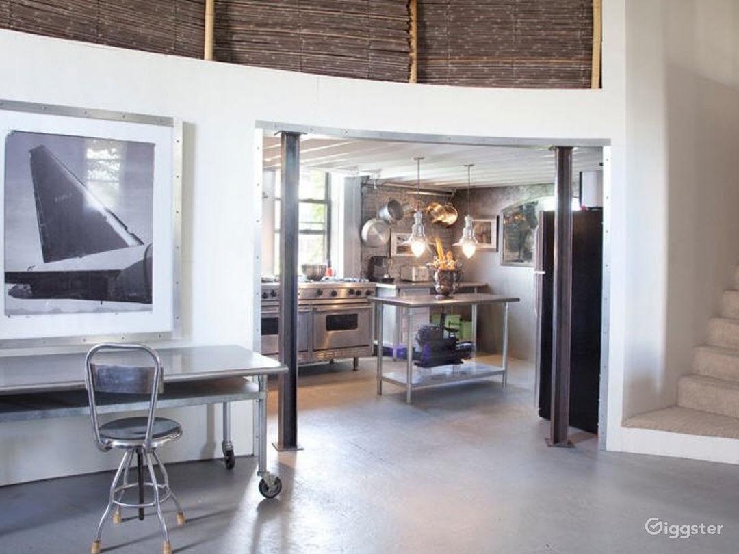 Photographers studio loft space: Location 5004 Photo 1
