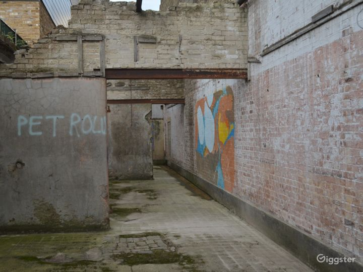 Spacious Abandoned-Style Exterior Film Location in London Photo 2