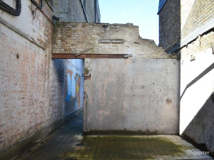 Spacious Abandoned-Style Exterior Film Location in London Photo 5