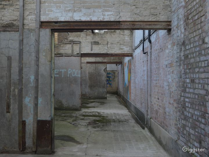 Spacious Abandoned-Style Exterior Film Location in London Photo 3