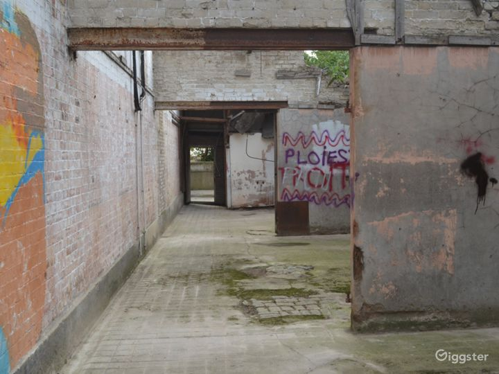 Spacious Abandoned-Style Exterior Film Location in London Photo 4