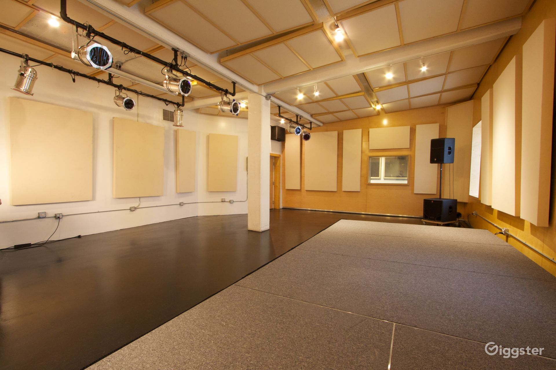 Upscale Music Studio Photo 1