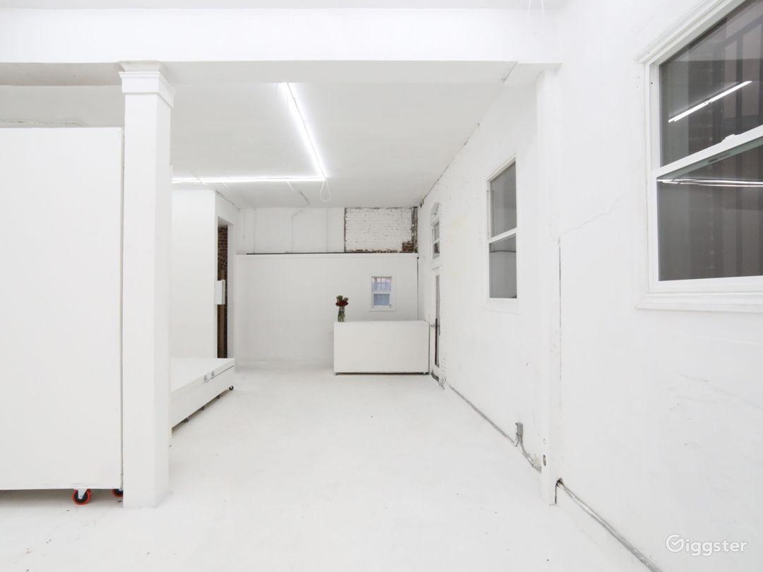 Spacious DTLA Gallery & Studio with Cyclorama Photo 2