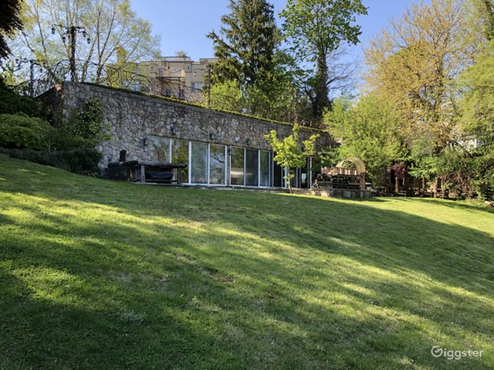 Staten Island Medieval Mansion  Photo 3