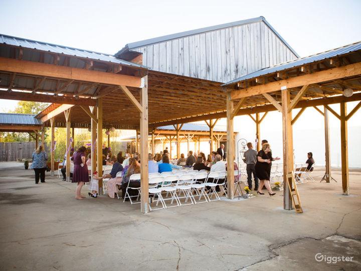Large Courtyard Pavilion in Gallatin  Photo 2