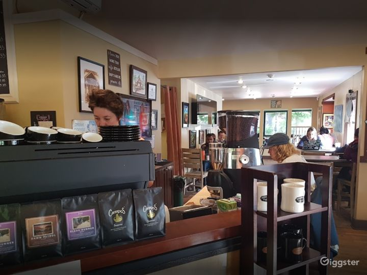 Warm and Welcoming Indoor Café in Issaquah Photo 4